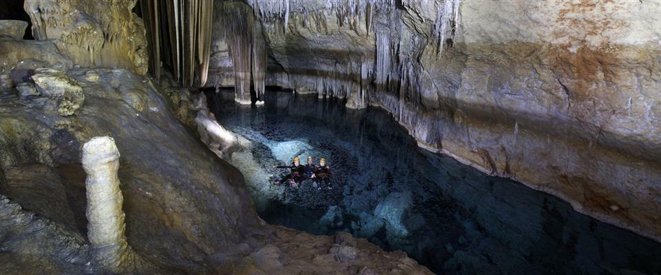 Sea Caving - Cova de coloms