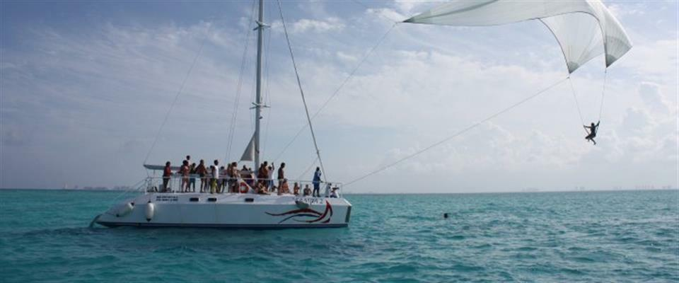 MUSA Snorkeling and Isla Mujeres Sightseeing in a Catamaran