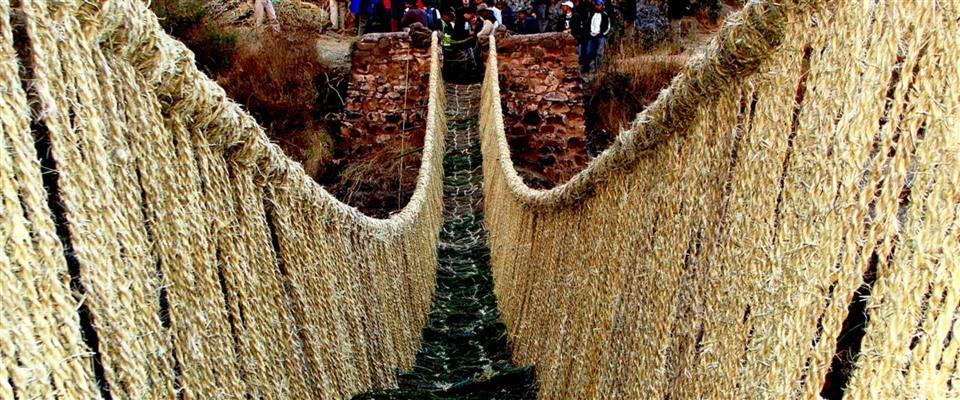 Full Day tour to the Inca rope Bridge of Q´eswachaka through 4 Lagoons for fishing activity