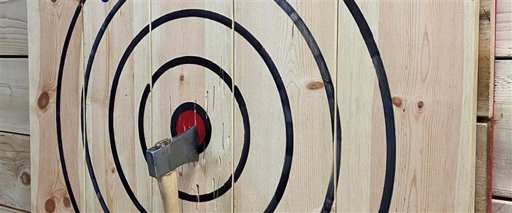 1 Hour Axe Throwing